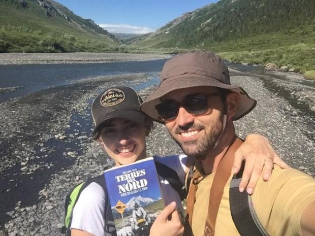 Berta Marqués y Borja Ariso sonriendo desde Alaska