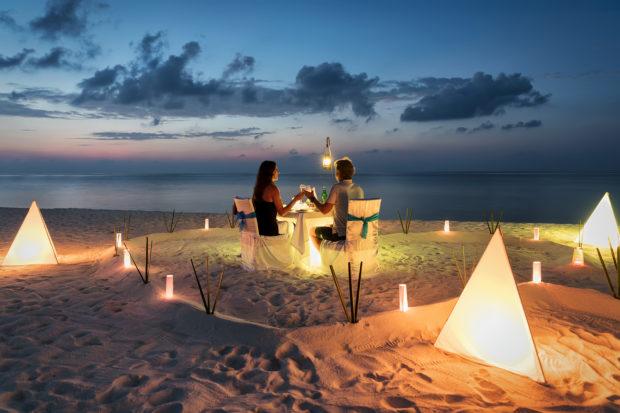 cena playa Maldivas