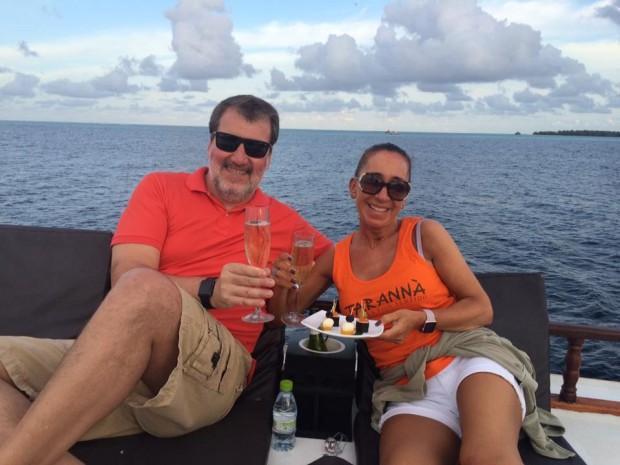 Nuestros amigos Xavi i Montse disfiutrtando de su amor en Maldivas