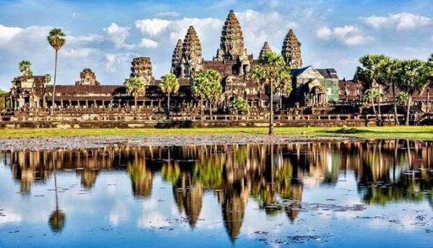 Lo había dejado en buenas manos. Camboya
