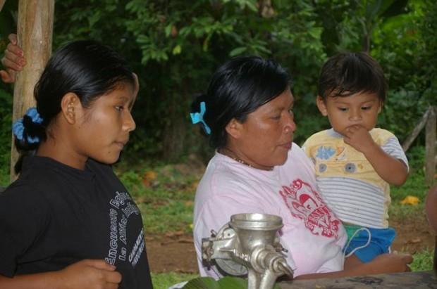 Hay niños que aún escriben cartas. Costa Rica