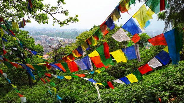que ver en Nepal: banderas de oración templo swayambhunath