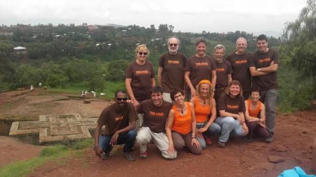 Nuestro grupo viajero por Etiopía con entusiasmo
