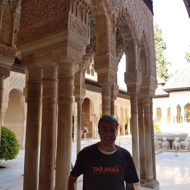 Edgar saboreando su viaje por Andalucía