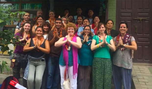 Grupo Tarannà disfrutando de su viaje solidario por Nepal
