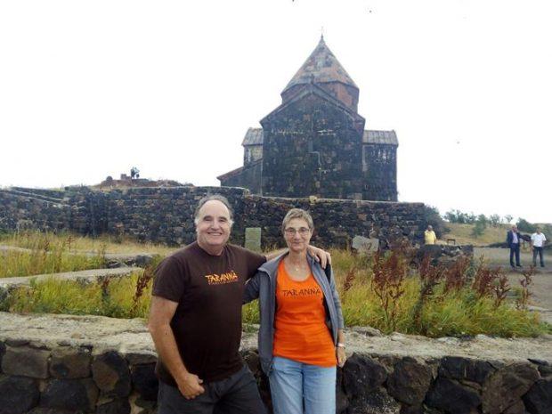 La familia Giró de viaje por Armenia